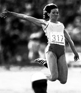 Anișoara Cușmir - nou record mondial, 7,43m (1983)
