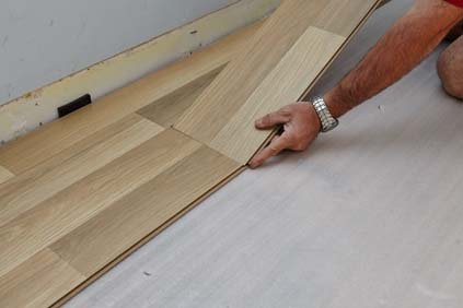 How To Lay Laminate Flooring   Video   Bunnings Warehouse laminate flooring