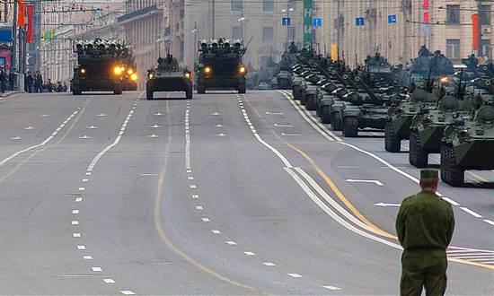 Russia_parata-vittoria_V-day_(koraxdc CC-BY= Mosca