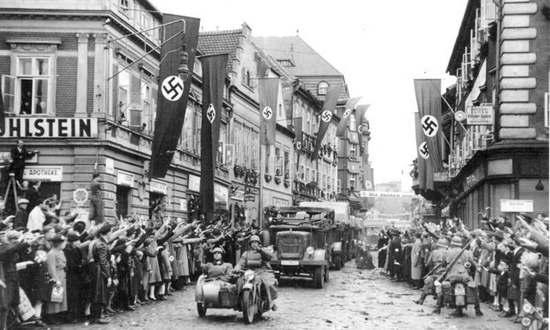 Sudeti, ingresso dei tedeschi nell'ottobre 1938 (Bundesarchiv CC-BY-SA)