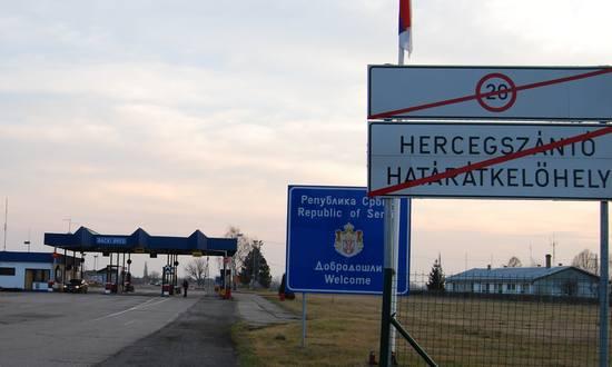 Ungheria-Serbia_immigr_(Chmee2_Valtameri_CC-BY)