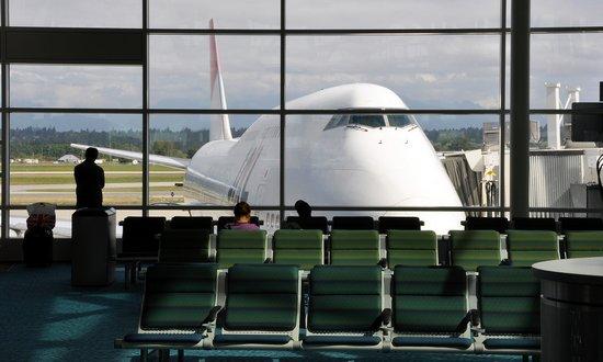 Nuove regole per volare con liquidi nel bagaglio a mano