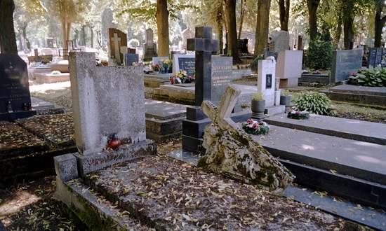 cimitero-martinsky-brati_(SamkoPamko_CC-BY)