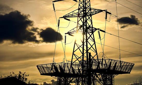 energia_elettrica(garryknight_6358911081@flickr-CC)