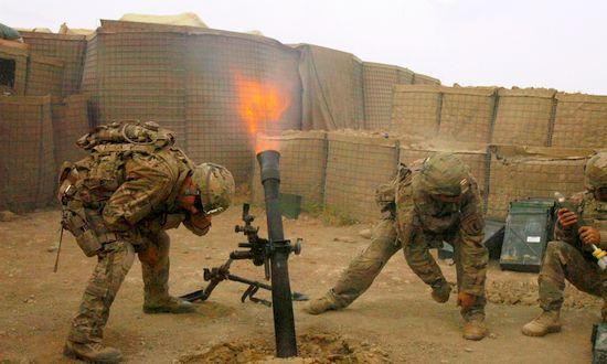nato-milit-soldat_(wikimedia)
