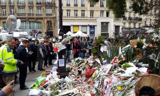 parigi-terror_161115_(gael_lombart-by-nc)
