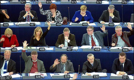 parlamento-europeo_(european_parliament_3388975425@flickr_CC)