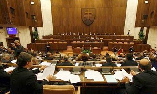parlamento_slovacco_small