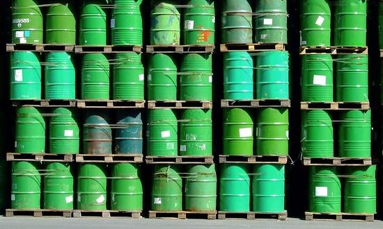 petrolio (foto_XcBiker@flickr)