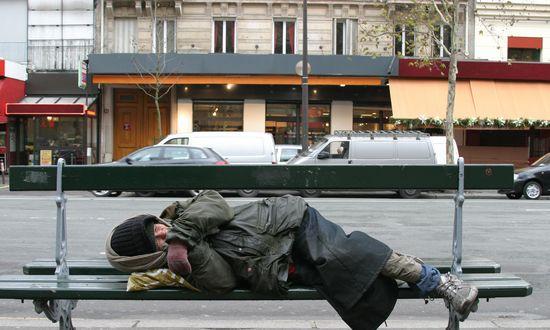 L'Ungheria dà la caccia anche ai clochard. In galera chi dorme per strada