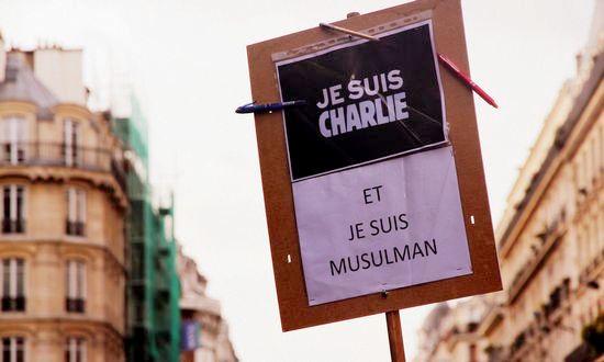 terroris-charlie-parigi_(mayanais-16262257525-CC-BY)
