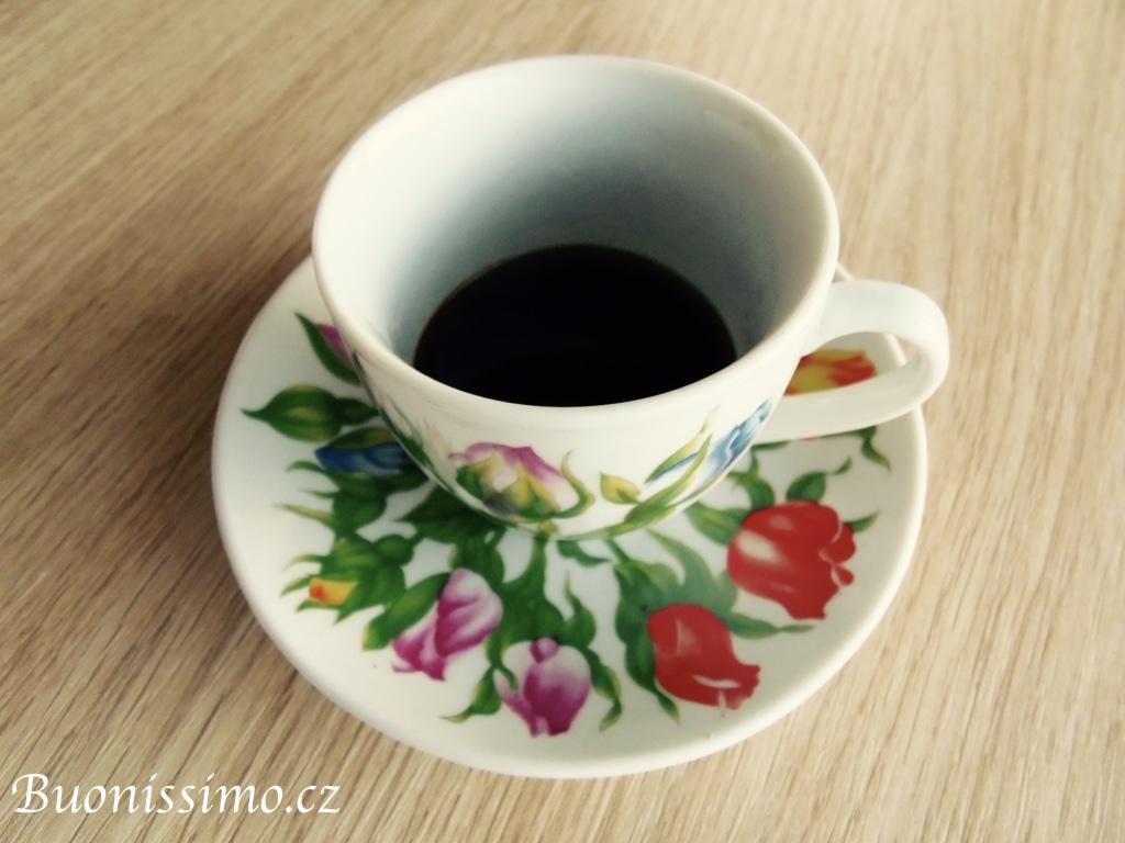 Správná domácí příprava kávy se strojkem moka