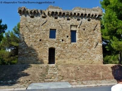 Valle del San Lorenzo Torre Gallinaro Cipressa sopra