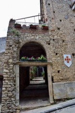 Porta ad arco di Montalbano Elicona