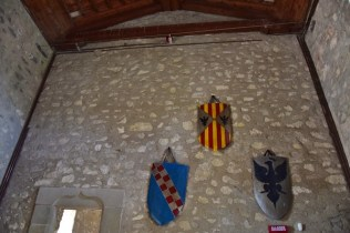 Scudi con stemmi araldici di Montalbano Elicona