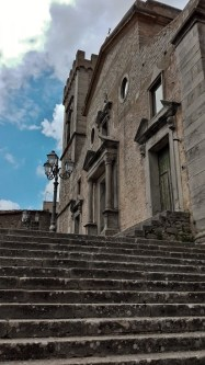 SCalinata e chiesa Montalbano Elicona