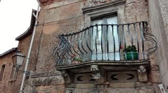 Montalbano Elicona antico balcone in ferro