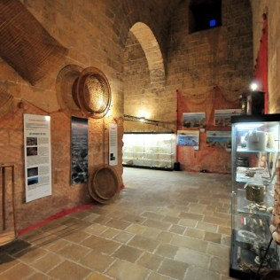 Torre Lapillo (int), piccolo Museo del Mare