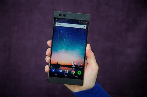 スマートフォンでプレイが可能となっている