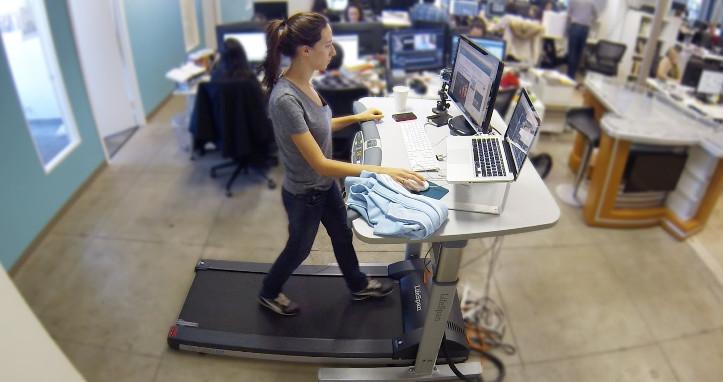 le bureau debout ou assis debout a deja convaincu de nombreux travailleurs dans d autres pays pourtant une nouvelle tendance est apparue aux usa le