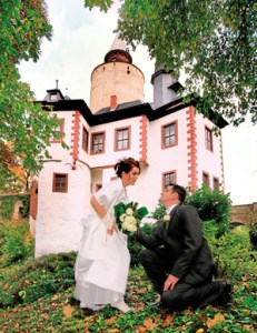 In Posterstein you can get married in historical scenery - both in the church and in the castle. (photography by Jens Paulat, Altenburg)