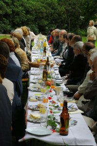 More than 70 international guests took a seat at the long table in the park of Tannenfeld Castle in summer 2011, when the 250th birthday of the Duchess was celebrated with an exhibition, a conference and the release of a new book.