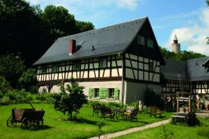 A Posterstein il y a beaucoup de maisons en colombage historiques, l' »Auenhof » est l'une d'elles.