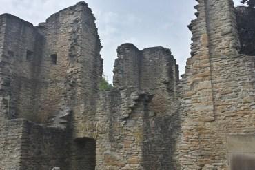 Hohensyburg – Burgruine, Friedhof und Geisterhaus