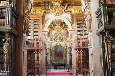 Biblioteca Joanina – die Schönheit alter Bücher