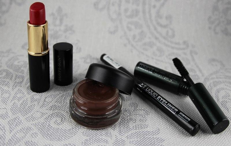 Egypt-Sun-Mac-Constructivist-Paint-pot-Rival-de-loop-liquid-eyeliner-Clinique-high-impact-mascara, Kosmetik fürs Festival, Kosmetik im Zelt
