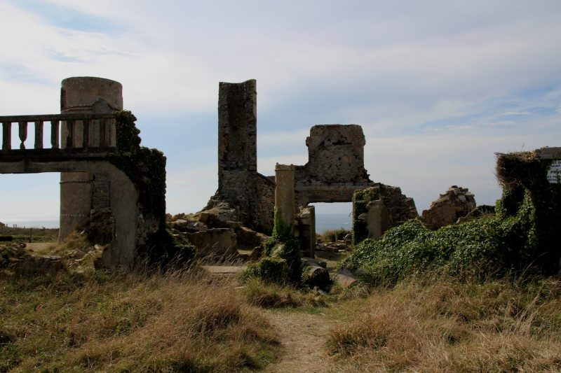 ruine-villa-haus-des-dichters-surrealist-saint-pol-roux-camaret-sur-mer-1