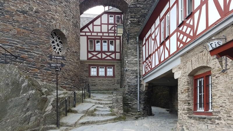 Jugendherberge, Burg Stahleck, günstig auf einer Burg übernachten, Bacharach, Mittelrhein, Burgen am Rhein
