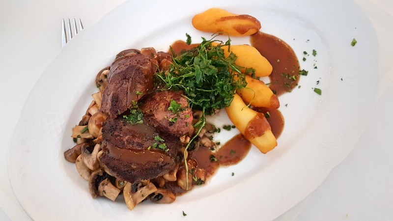 Speisen im Kurpark-Hotel in Ilsenburg, Restaurant in Ilsenburg