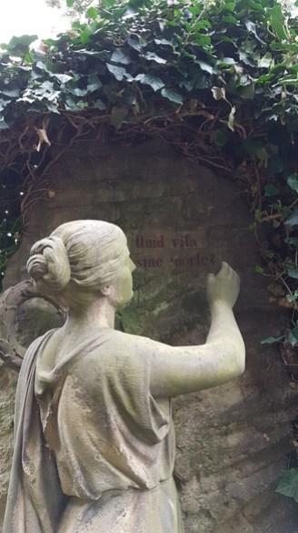 Schöner Grabstein, alter Friedhof, Wolfenbüttel