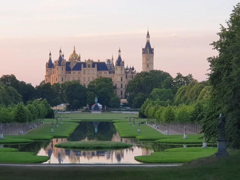 Schloss Schwerin im Sonnenuntergang
