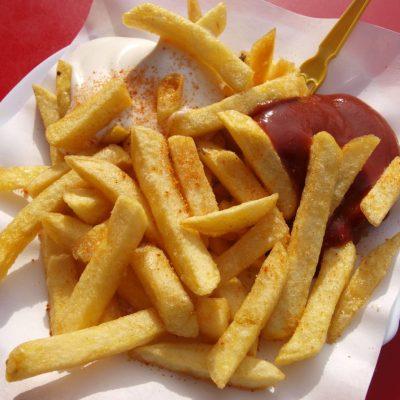 frites avec ketchup