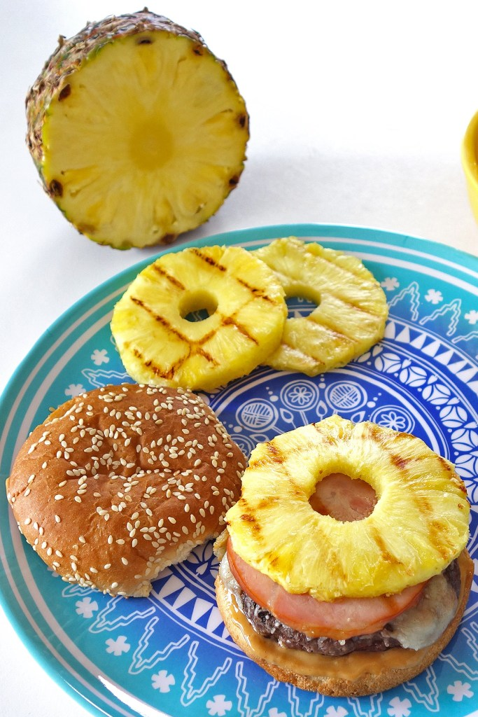 Hawaiian Burger | burgerartist.com