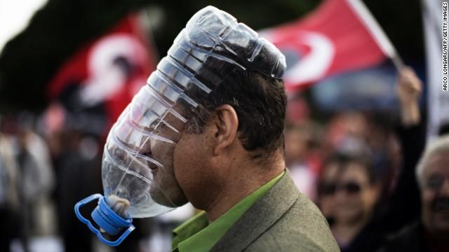 Disobedient Objects - How-Maak ze zelf - zelfgemaakte gasmasker - Burgerlijke Ongehoorzaamheid