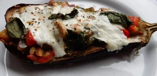Gevulde aubergine recept met burrata kaas italiaans recept