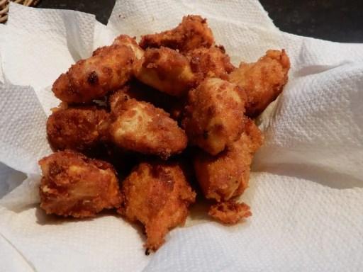 Wraps met kip en honing mosterdsaus. Copycat mcdonald wrap, wrap met krokante kip