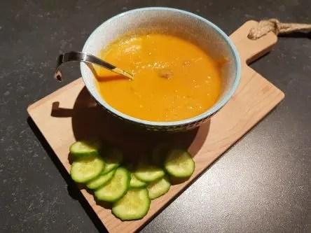 Recept tomatensoep met balletjes. Zonder pakjes en zakjes verse tomatensoep maken