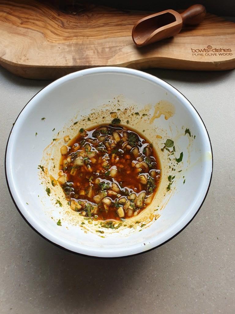 Griekse marinade, marinade voor kip, gegrilde kippendijen
