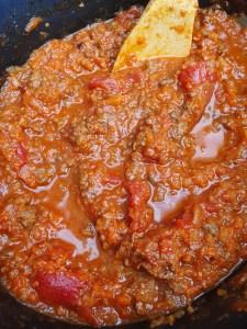 Rode pastasaus uit de slowcooker