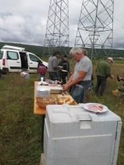 HCDN - Herve readies al-fresco lunch in vines
