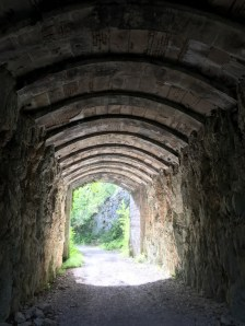 Jogging - the tunnel of the Combe Grisard...