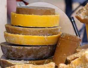 Lustrer vos boiseries grâce à la cire en pâte