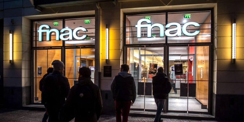 Fnac fecha última loja no país e ex-funcionários fazem protesto em SP 16