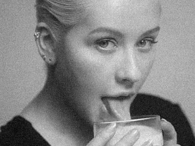 """""""Accelerate"""" de Christina Aguilera ganha clipe e traz uma nova fase da cantora 13"""
