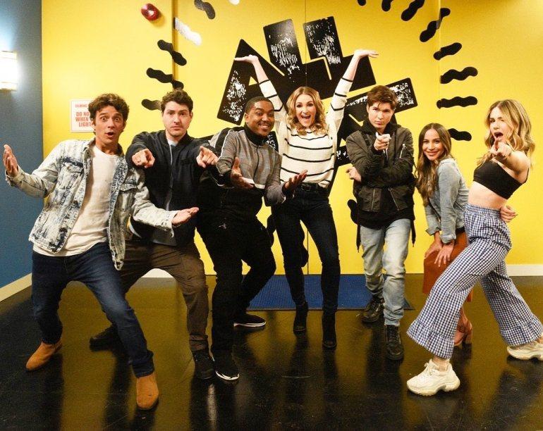 """Elenco de """"Zoey 101"""" publica foto no estúdio da Nickelodeon! 16"""