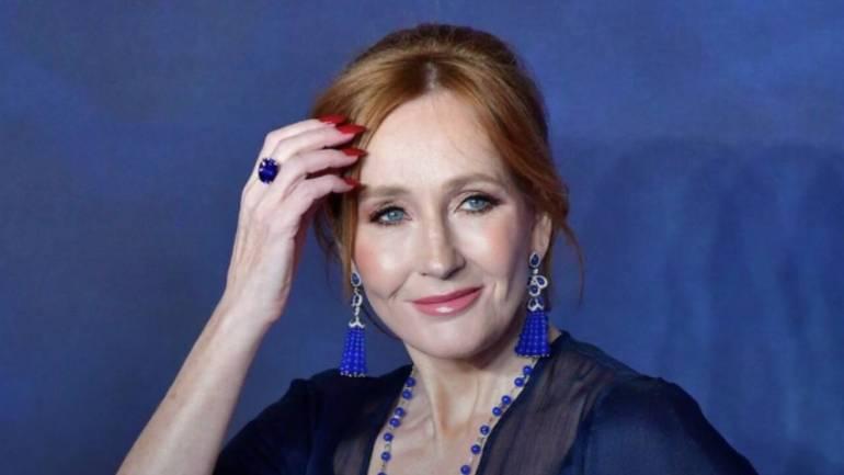 J. K. Rowling devolve prêmio após polêmica com a comunidade trans 16
